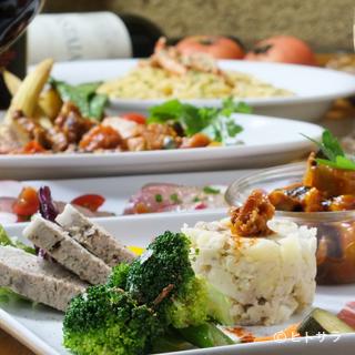 試食の意味を持つassaggio=前菜小皿は380円〜用意しています