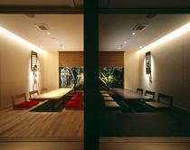 離れにある個室席は、6名様前後のスペースを4部屋ご用意