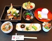 ご宴会コースは3300円より (飲み放題付き5000円~)