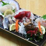 新鮮な魚介と地元食材を使った料理を低価格で提供するお店です。