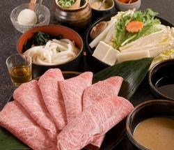 【食べ放題クーポン】 食べ放題(特選黒毛和牛ロース&上豚ロース)&飲み放題が、7800円特別価格でご提供
