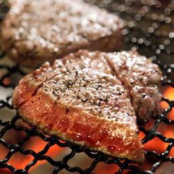 メインはA5ランク黒毛和牛のサーロインかオマール海老の海老味噌焼きをお選び頂ける贅沢会席コースです。