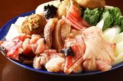 身・皮・肝・骨まで。 鍋やあん肝、から揚げで、その魅力を余すことなく味わい尽くすことができます。