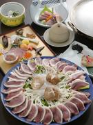 下関直送の天然ふぐは肉厚で風味が豊か。様々な調理法で楽しめる全9品のコースです。
