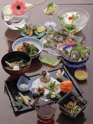 ミネラル・鉄分・ビタミンが豊富を豊富に含んだ合鴨のしゃぶしゃぶは絶品!!〆の合鴨出汁で召し上がる稲庭うどんも美味です。6500円→5500円でご奉仕いたします。
