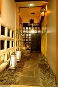 京の町屋を彷彿とさせる入口