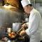 ベテラン料理人の技が光ります