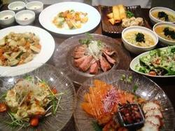 海鮮、野菜、お肉と料理と味のめりはりのあるコースは創作麺付大満足の全13品