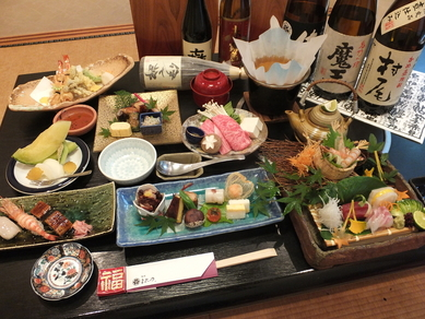 与志乃自慢の会席料理        (写真は5500円税込)