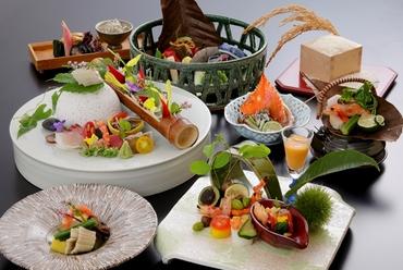 美味しい旬食材を吟味し、繊細な美意識が薫る『会席料理』に