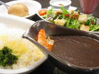 甘口・中辛・辛口からお選び頂けます。+100円で珈琲or紅茶付き