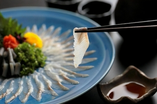 浜松に来たら 【浜名湖うなぎの刺身】 を食べてください!