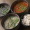じっくり煮込んだ『コムタムスープ』も人気です