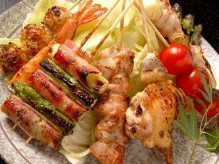 朝挽き、さばき立ての鶏を絶妙なタイミングで出す『串焼き』