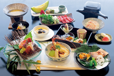 【日本料理】会席コース7300円(税サ込8800円)