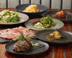 肉肉しい牛ザブトンのステーキをメインにした楓のオススメコースです。お洒落な空間で頂く、新感覚和食♪