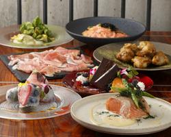 楓の特製鍋&牛ザブンのステーキを含楓の人気メニュー勢揃いコース!! お洒落な雰囲気の中での新感覚和食♪
