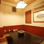 老若男女が喜ぶ、居酒屋メニューも充実。料理人が作る本格派の味を居酒屋価格で提供する。日本人が一番日本人らしく居られる空間です。