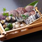 活きにこだわる海鮮の美味(長太郎貝・サザエ・はまぐり・高知産干物)
