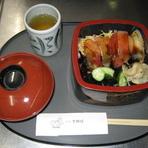 ちらし寿司 (みそ汁付)