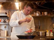 美しいプレゼンテーションとイタリア料理の本質を味わって下さい