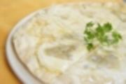 ゴルゴンゾーラチーズ独特の味とハチミツの相性が抜群です。 あま~いデザート風ピッツァ。