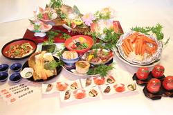 博多オーナー自ら市場に出て新鮮なお魚を仕入れ 博多農園で収穫された野菜を使用してます。