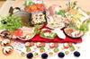 オーナー自ら育てた博多無農薬水耕栽培のお野菜と オーナー自ら魚市場で厳選した魚のコースです。