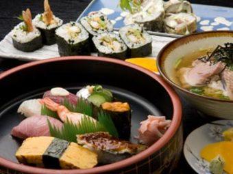 鮮度のよい魚介類をご用意。なるべくお待たせしないように心がけ