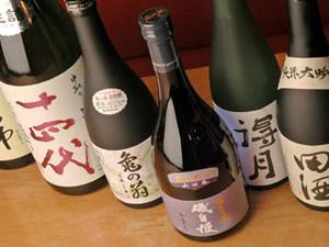 地酒は約60種ほど取り揃えております