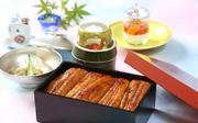 三嵋特製のタレで焼いたうな重(国産うなぎを使用) 小鉢、鰻重、吸物、水菓子 (お電話にてご予約下さい。)