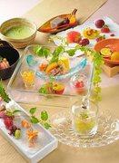 先付、吸物椀、彩り前菜、造り、焼き物、食事、水菓子、菓子、抹茶