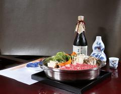 季節感あふれる料理の数々と料理長おすすめの一品をお付けした三嵋特別コースです。