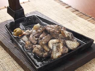 宮崎で育った新鮮な「地頭鶏」のうま味『絶品じとっこ焼き』