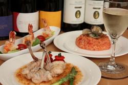 手作りケーキ、ミニブーケなど7つの特典あり。誕生日や結婚記念日をいつもよりもワンランク上の記念日に