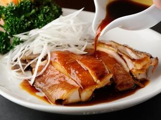 秘伝のタレで仕上げる『醤油鶏』