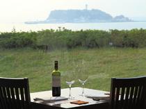 美しい江ノ島の景色と四季の風情を感じる料理が人気です