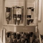 当店のワインサーバーは抜詮からグラスに注ぐまでを一切空気に