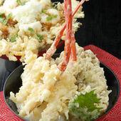 カニ天丼 (芝エビのかき揚げ丼714円)