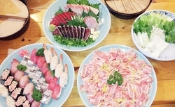 お好きなお料理を8品選んで2時間飲み放題♪ 十人十色のお料理内容をお楽しみ下さい。