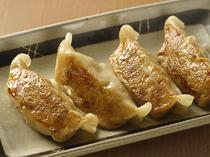 ジンギスカン餃子も人気です!