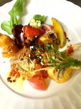 今日の一押し!旬の魚のムニエル バルサミコ漬オニオンソース
