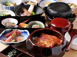 ※1日50名様限定 (4名様以上で前日までに要予約) 料理のみ4200円 +飲放付=6000円(席料込)