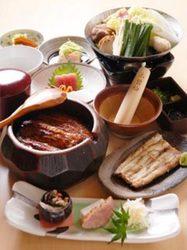料理のみ5000円 6名様以上から+2000円で飲み放題お付けできます。