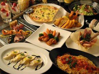 飲み放題の種類も約100種類と充実♪ 料理の内容も大好評で、満足度の高いお得なコースメニューです!