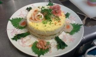 誕生日、記念日、大切な方へのお祝いにイナノテの寿司ケーキ!