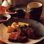 牛肉でも希少部位のステーキ。贅沢に米沢牛のヒレは格別の味わいです。120g…7200円