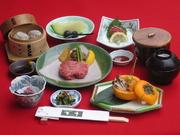 小鉢二品・前菜・冷しゃぶサラダ・和風ステーキ100g・吉亭自家製牛焼売・ご飯・味噌椀・香の物・デザート