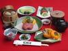 米沢牛定番のすき焼き基本コース。 吉亭オリジナルの調理をお楽しみ下さい。