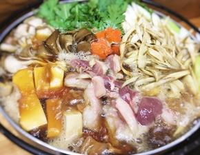 ■地元 滝川産の合鴨使用!地産池消を意識した絶品『合鴨鍋』 〆の瞬間まで最高の美味しさ!